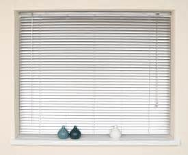 Window Blinds 4 Easy Ways To Clean Blinds At Home