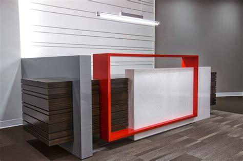 meja resepsionis untuk kantor minimalis berbahan unggulan