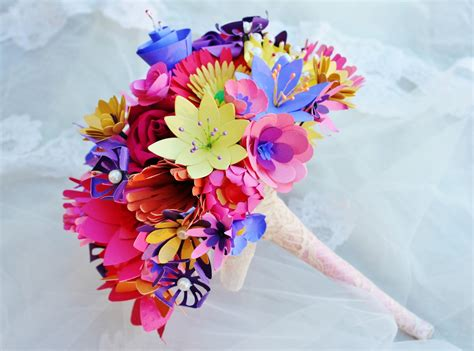 Make A Bouquet Of Flowers With Paper - make diwali memorable with gifts