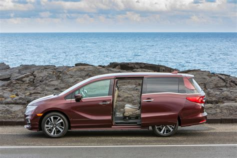 2017 minivan honda the 5 best minivans of 2017 pictures specs and more