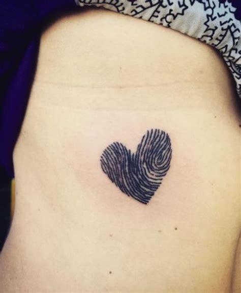 tatuaggi piccoli fiori tatuaggi piccoli e femminili i disegni da copiare