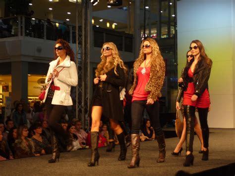 Fashion Show Wardrobe by File Olympia Fashion Show 2010 22 Jpg Wikimedia Commons