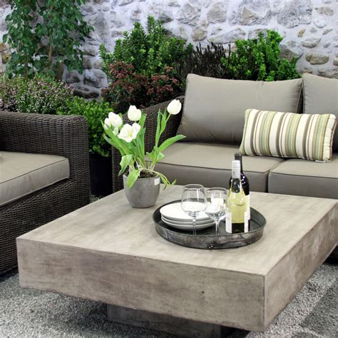 Floating Sq. Coffee Table: Modern Outdoor Furniture Terra