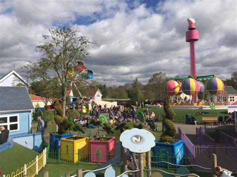 paultons park peppa pig world and paultons park england