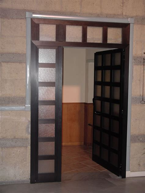 porta interna vetro porta interna in alluminio e vetri satinato portoncini e