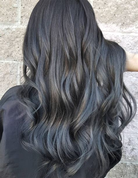 Silver Highlighted Hair Styles | 18 ideas to style a grey hair look pretty designs