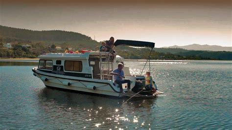 house boat knysna knysna house boat 28 images houseboats 4 africa knysna houseboats knysna