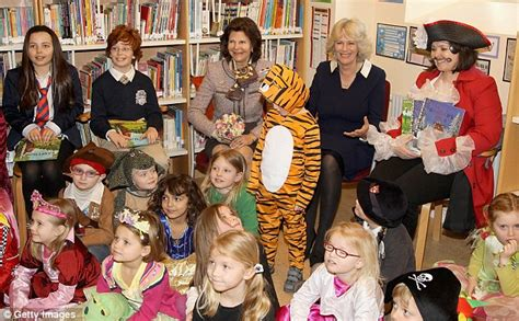 Charles Camilla Throw In Philly Shoot Hoops In Harlem by Duchess Of Cornwall Charms With Reading Of Gruffalo While