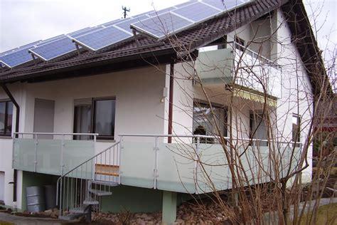 Terrassenüberdachung Aus Aluminium Und Glas by Balkongel 228 Nder Alu Glas