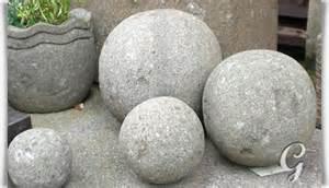 steinkugeln garten garten steinkugel aus basanit 187 tonka 171 gartentraum de