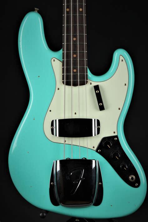 Gitar Bass Fender Jazz Bass 159 fender custom shop 1962 journeyman jazz bass seafoam green fender custom shop bass guitar