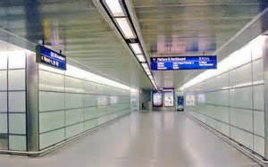 thameslink to st pancras passageway between platforms of new 169 ben brooksbank cc