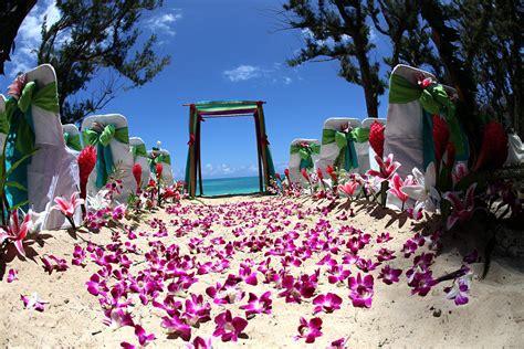 hawaii beach weddings custom designed alters  oahu