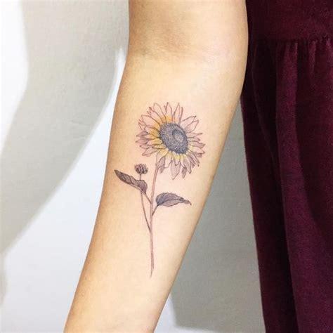 tatuaggi interno caviglia 50 idee tatuaggio stupefacente di girasole tatuaggi e