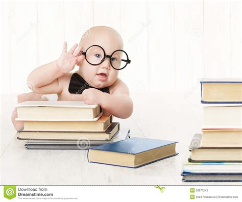 libro little guruji the childhood baby in glasses and books kids early childhood education stock photo image 50871242
