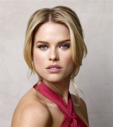 Couch Seat Height by Alice Eve Lands Role In Star Trek 2 Collider