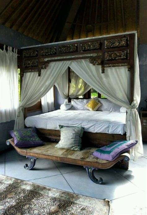 beds with curtains around them 1000 ideas about curtains around bed on pinterest dark