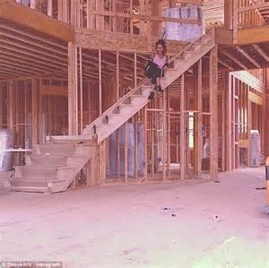 snooki house nicole snooki polizzi oversees construction on her dream home daily mail online