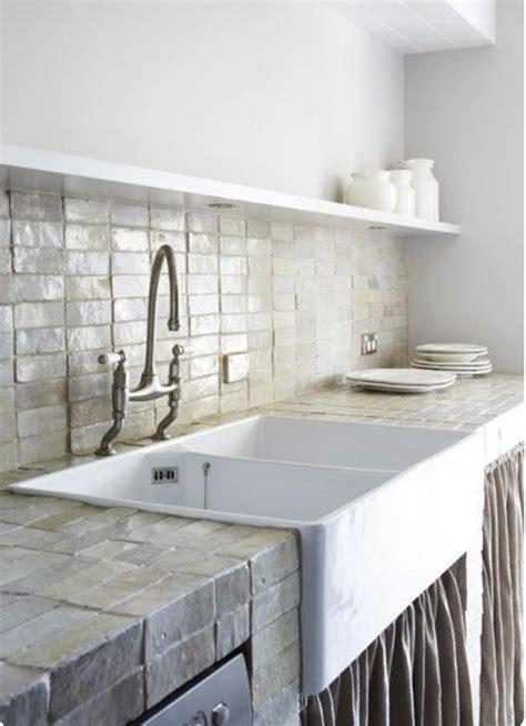 lavelli ceramica cucina i lavelli della cucina in pietra per un angolo cottura shabby