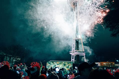 eve of a new dawn fireworks snow and the dawn of 2017 at seattle center s