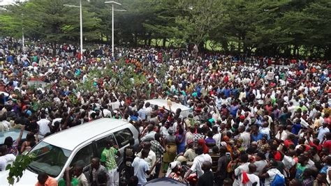 radio rpa burundi burundi une foule in 233 dite pour accueillir le journaliste