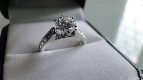 imagenes de anillos en oro blanco anillo de compromiso con 21 diamantes y oro blanco 14k