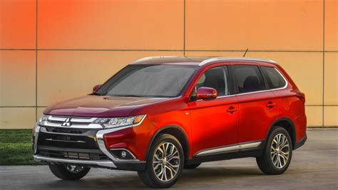 2016 mitsubishi outlander has fresh design and a bump in