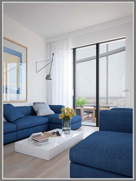 membuat warna coklat tua kombinasi warna biru dan putih nyamankan ruang tamu