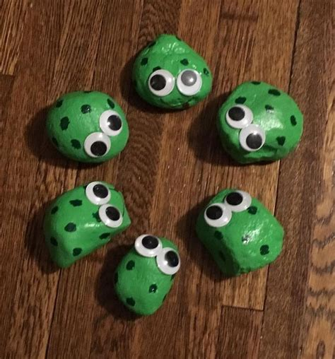Pet Rock Frog 813 best frog rocks images on rock painting painted rocks and painting