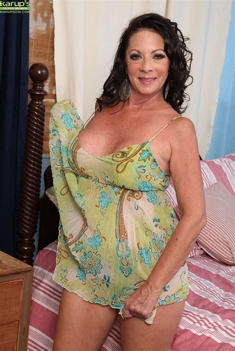 Upholstery Victoria 30 Best Margo Sullivan Images On Pinterest Older Women