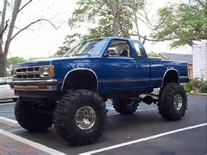chevy s10 all jacked up s10s chevy