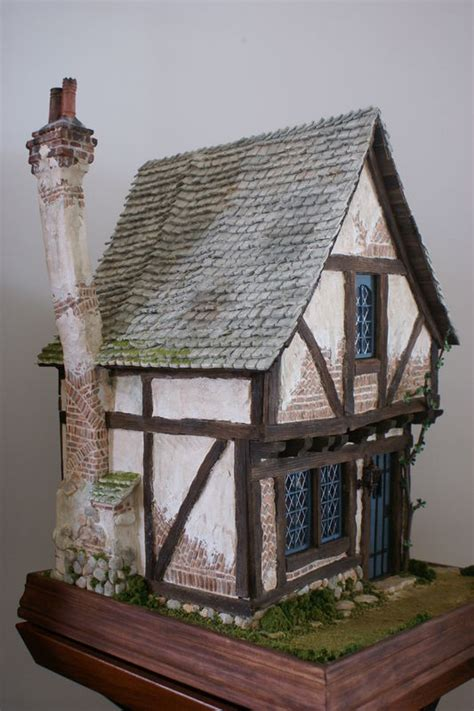 Cote Cheminee by C 244 T 233 Chemin 233 E Photo De The Crooked House Et Peau D 226 Ne