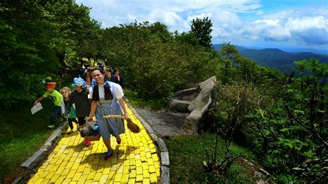 land of oz theme park land of oz theme park announces journey with dorothy in