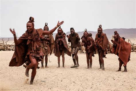 himba tribe color how do namibian himbas isolated tribe see colour youth