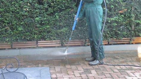 pulizia pavimenti esterni pulizia cortile autobloccanti betonelle fare 5