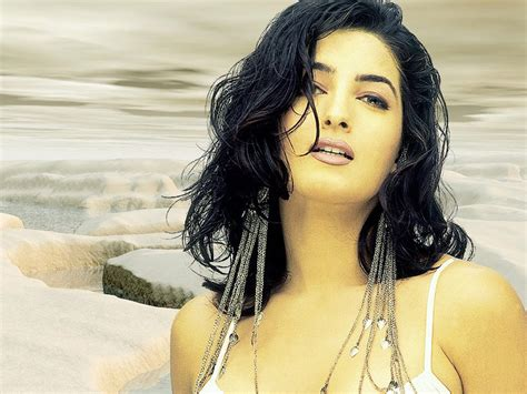 biography of twinkle khanna cgp gallery bollywood hot actress twinkle khanna hot images