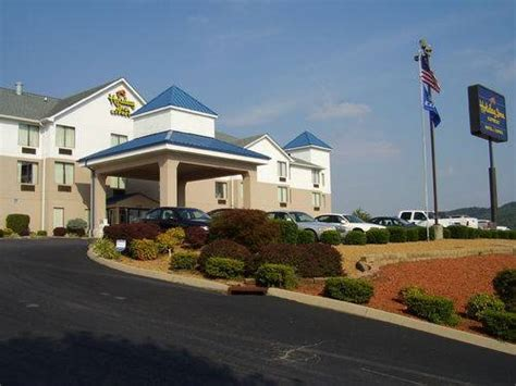 bed and breakfast knoxville tn holiday inn express hotel suites knoxville north i 75 exit 112 in powell tennessee