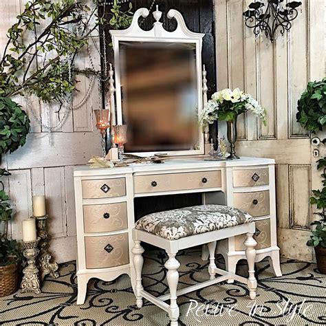 Refurbished Vanity Table by Best 25 Refurbished Vanity Ideas On Vanity