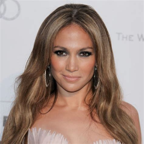jlo biography in spanish j lo the iconic life and career of jennifer lopez