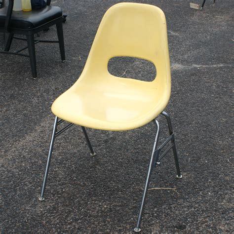 Krueger Chairs by Vintage Krueger Yellow Fiberglass Side Chair Ebay