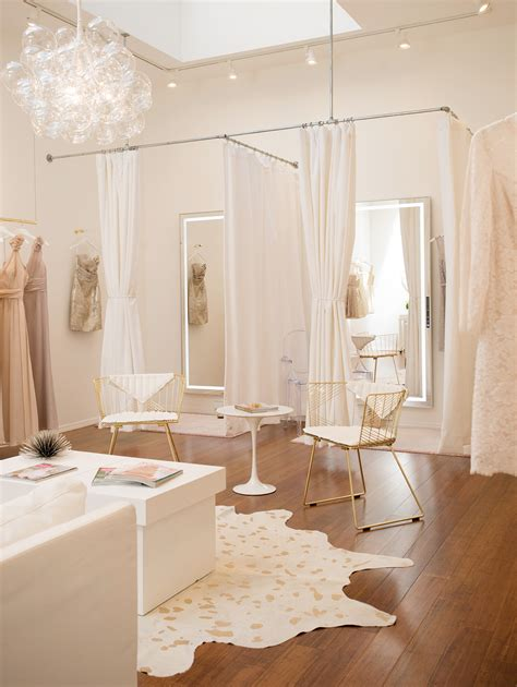 Stores For Room Decor by Best 25 Bridal Boutique Ideas On Bridal Shop