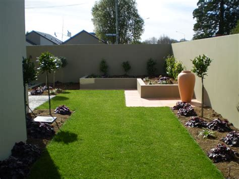 how to design my backyard casas modernas com jardins planejados bonitos e