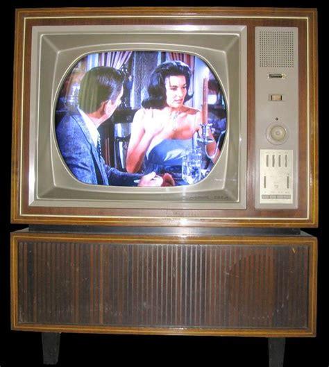 seit wann gibt es tv total seit wann gibt es farbfernseher ist dies einer der ersten