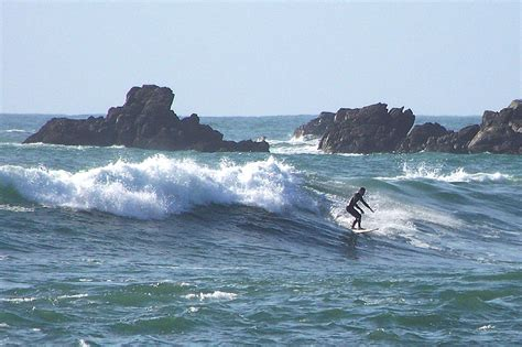 Surfing New Zealand by The Best Surf Regions In New Zealand Backpacker Guide