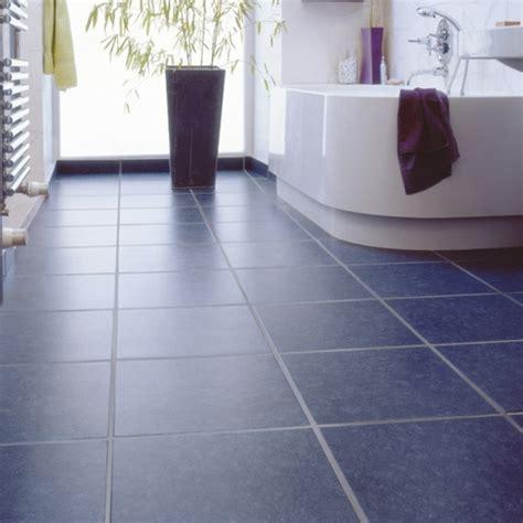 graue und blaue badezimmer ideen moderne badideen f 252 r fliesen