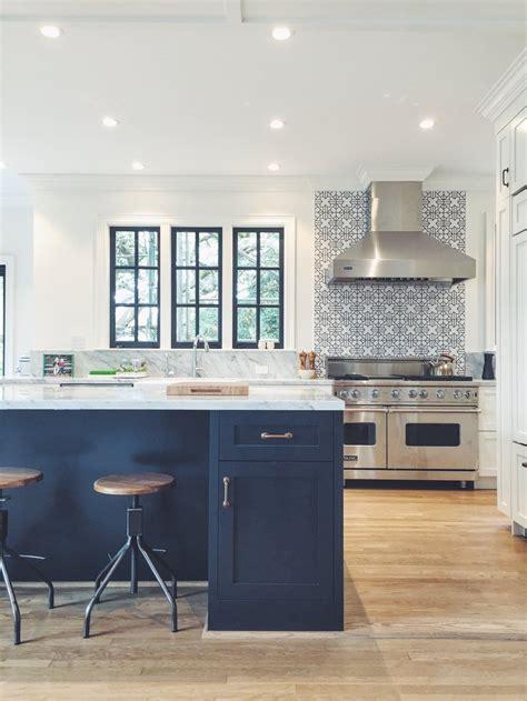 pin  elizabeth ingrassia  home decor  interior design kitchen navy kitchen kitchen