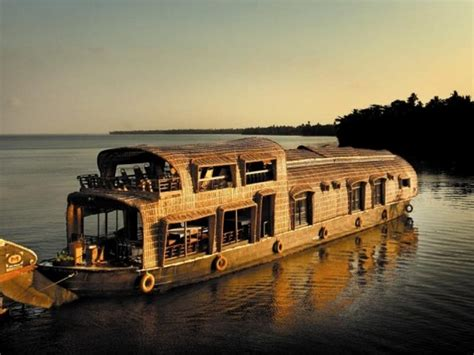kerala news houseboat best luxury houseboats in kerala kerala tourism blog