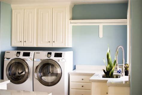 Laundry Room Cabinets With Hanging Rod Glossy Glasses Laundry Room Cabinets Placement Home Design Ideas 2017