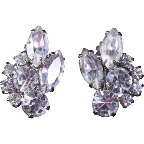 rhinestone earrings weiss diamante rhinestone clip earrings from heartofgems