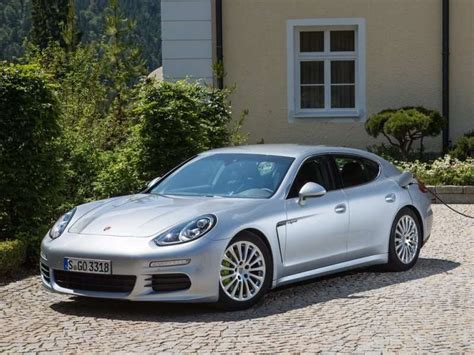 4 door porsche 10 things you need to know about the 2015 porsche panamera